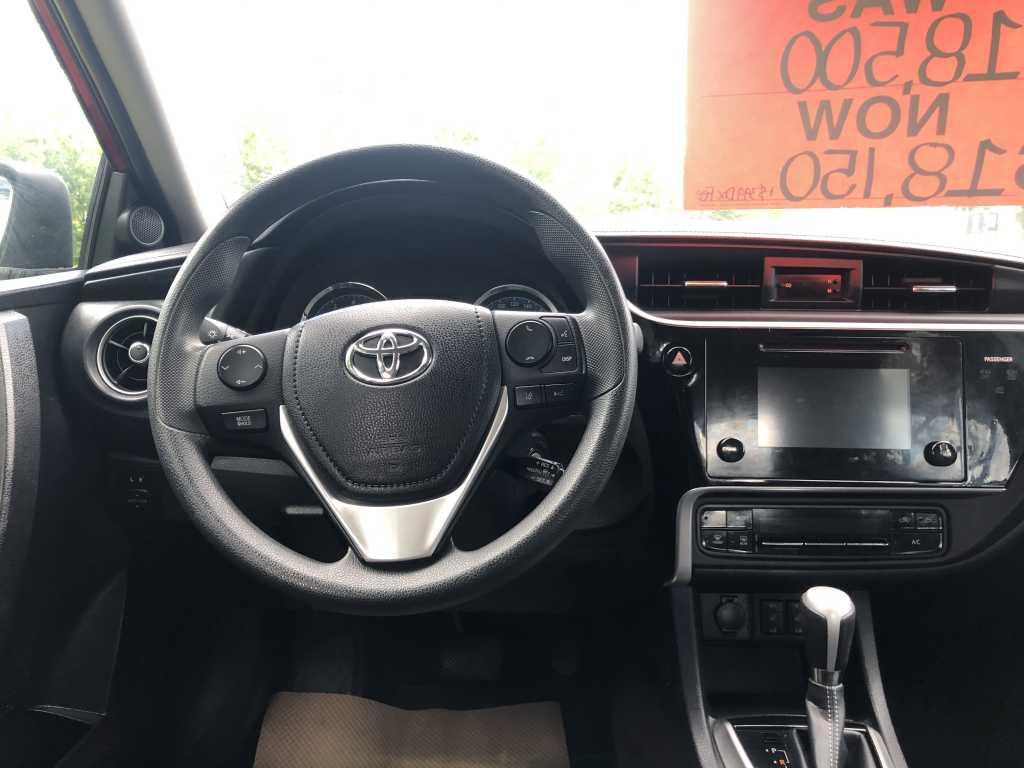 Toyota 2T1BURHE6HC909301