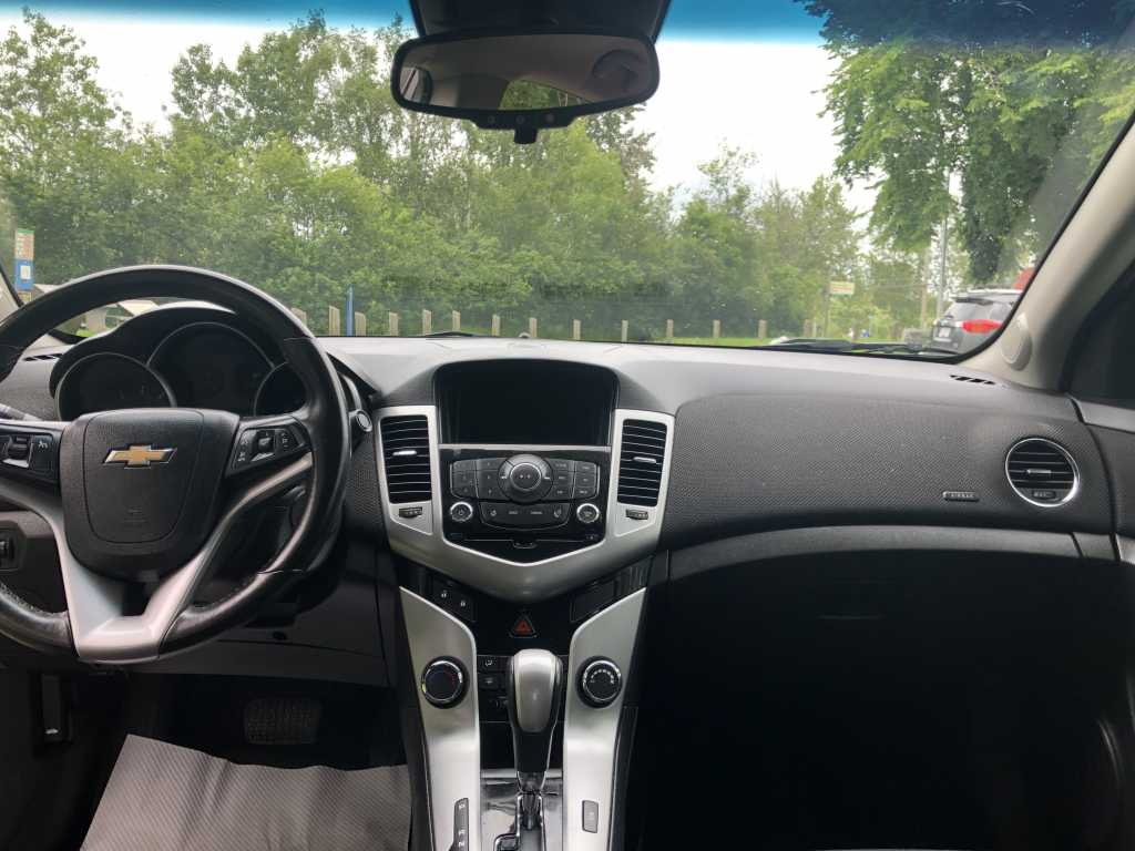 Chevrolet 1g1pc5sb6e7328371