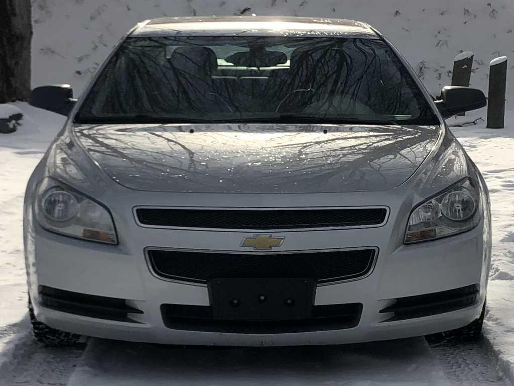 Chevrolet 1g1zb5eu9cf206793