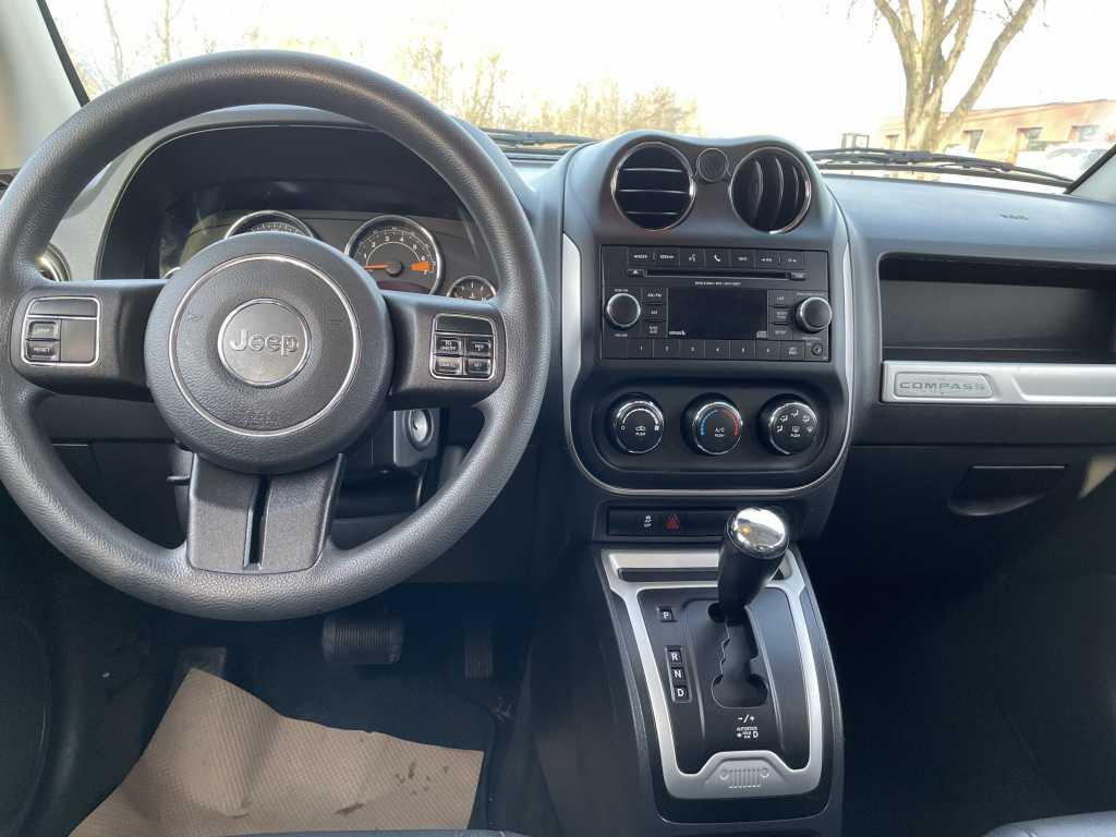 Jeep 1C4NJDAB2ED804424