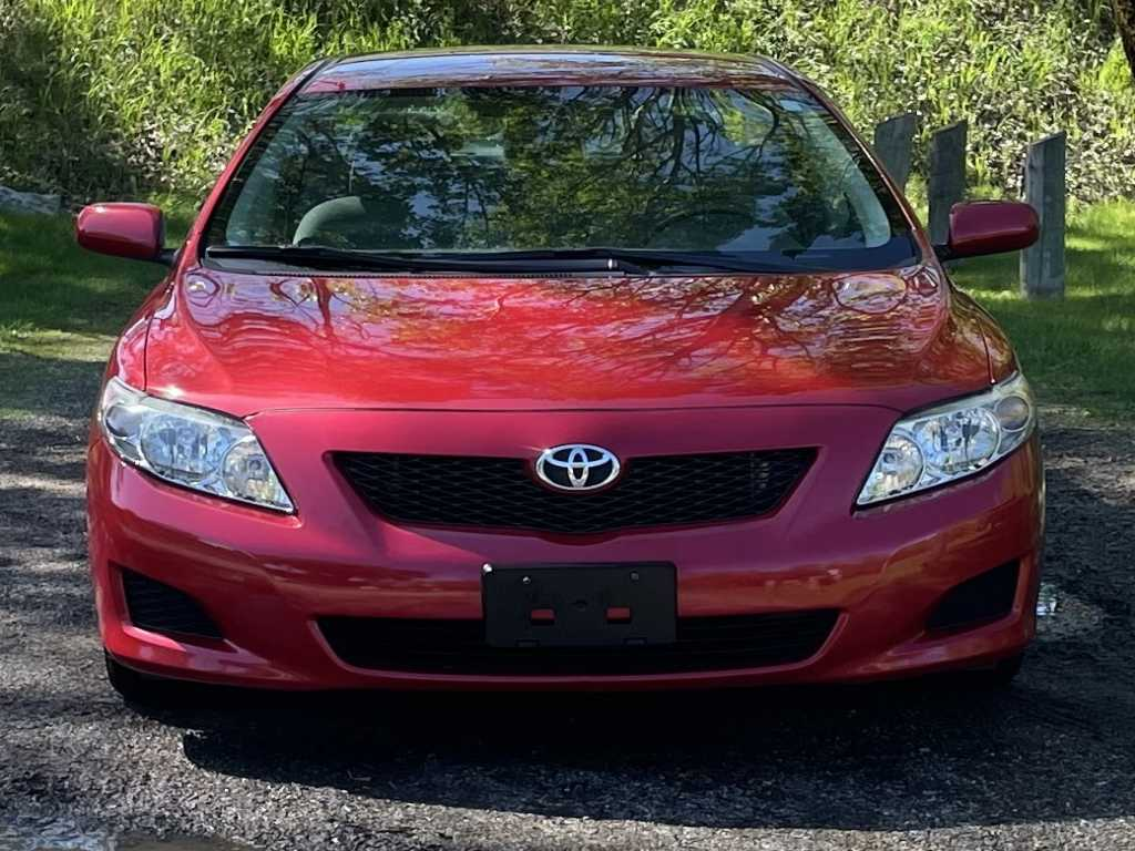 Toyota 2T1BU4EE0AC253531