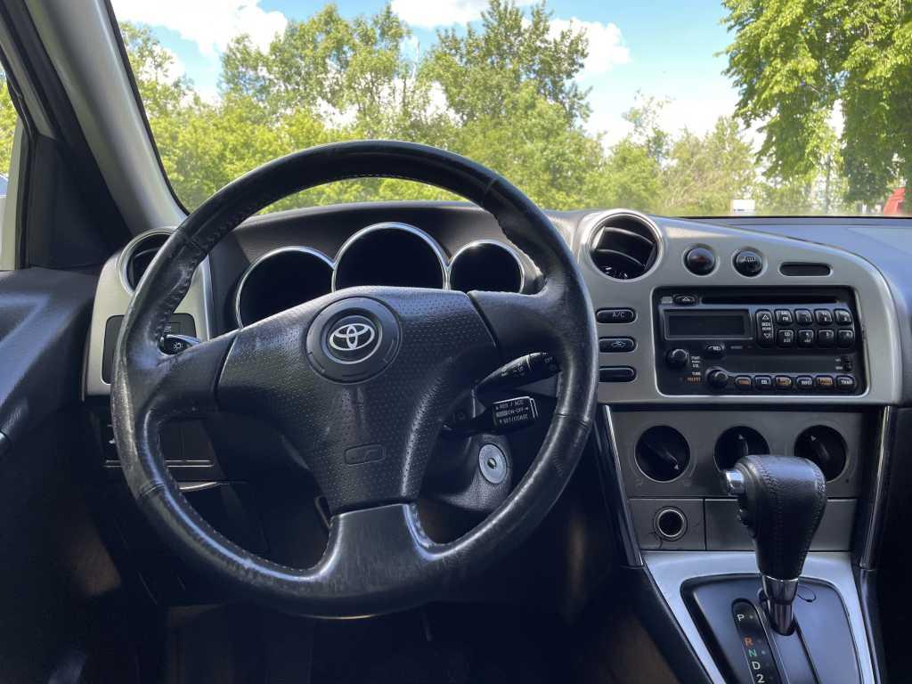 Toyota 2T1KR32E63C765667