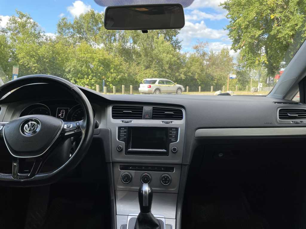 Volkswagen 3VW2A7AU7FM029367
